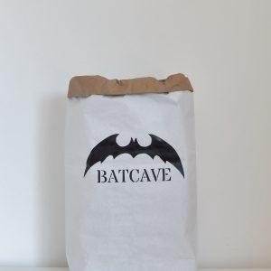 cuccpapirzsak_batcave