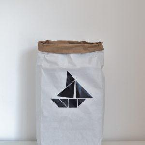 cuccpapirzsak_hajó